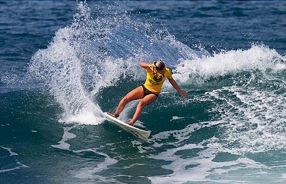 Lakey Peterson competing at the Hawaiian Pro in Haleiwa this week. (Kirstin Scholtz/ASP Photo)