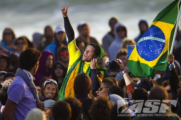 Adriano de Souza celebrates the victory at the ASP Billabong Pro Portugal. (All Photos ASP)