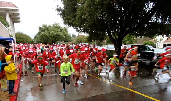 Santa Claus Run take-off freeze frame. (Randy Weiss Photos)