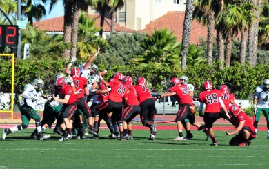 Marcus Hoerberg kicks the winning field goal on Saturday for the Vaqueros. (Presidio Sports Photos)